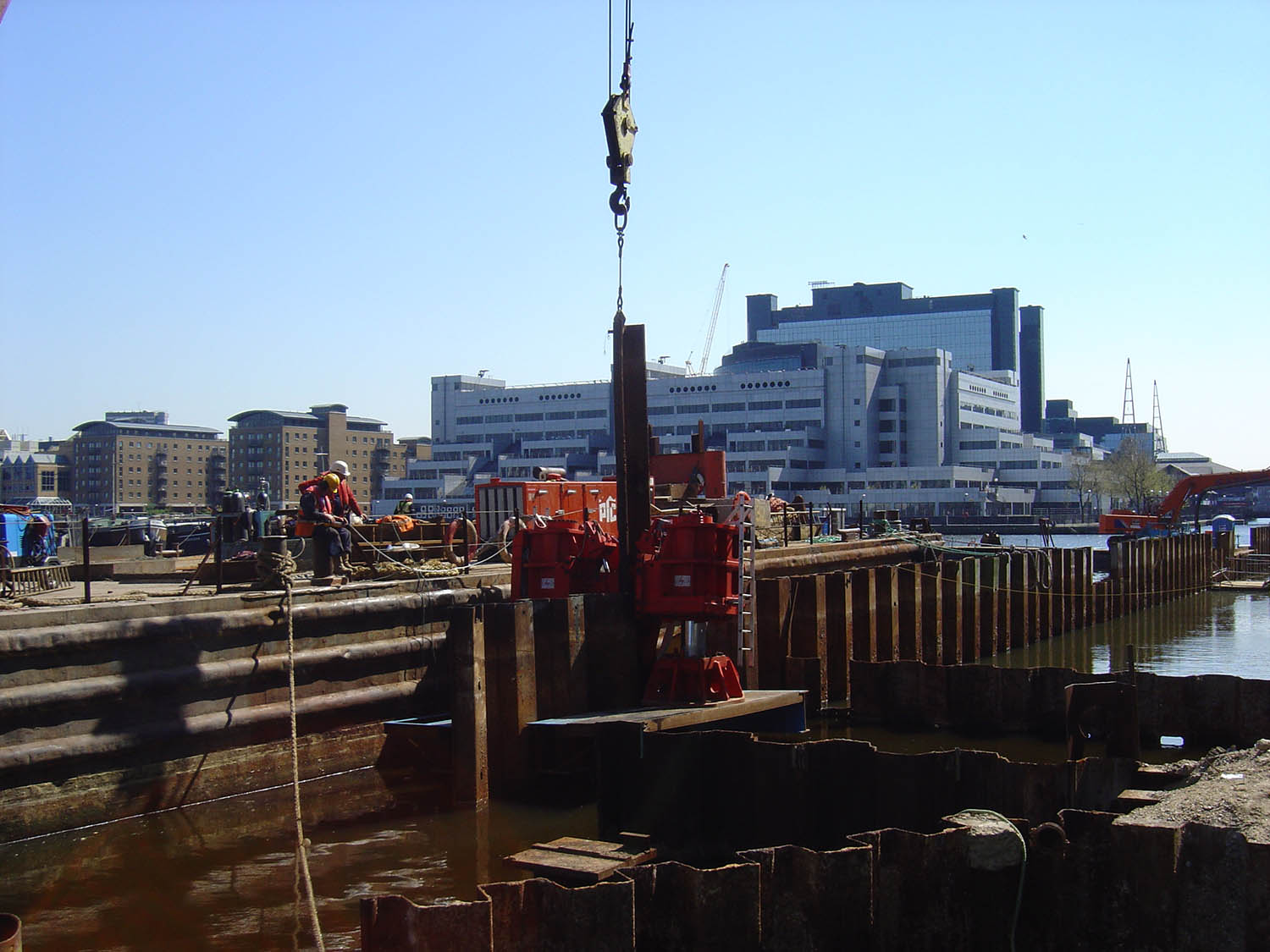 thames-pile-extraction